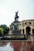 Доминикана. Памятник Христофору Колумбу рядом с его домом-музеем