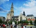 Бельгия. Антверпен. Зелёная площадь. На переднем плане памятник Рубенсу