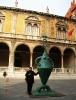 Италия. Верона. Скульптура на площади Сеньории