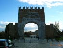 Италия. Римиини. Триумфальная арка Августа